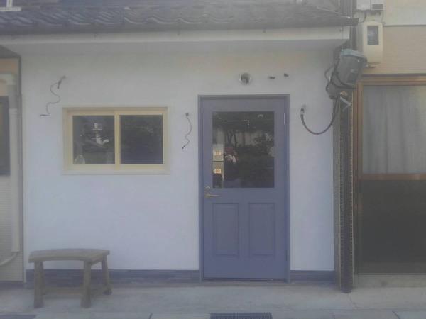 店舗壁塗り工事のサムネイル
